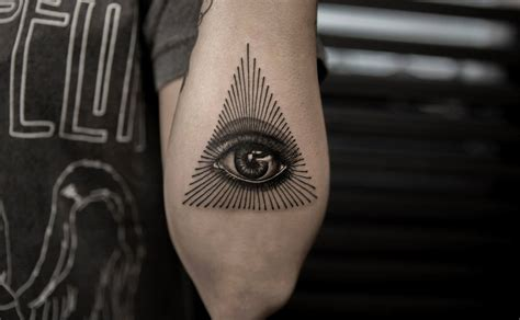 all seeing eye tattoo tattoos of the mighty eye of providence scene360