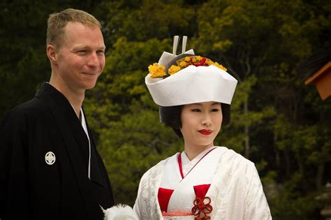 Japanese Wedding by A Traditional Japanese Wedding In Miyajima