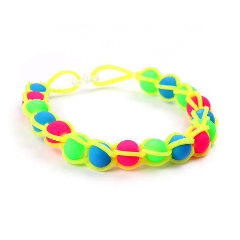 Instructions On How To Make This Neon Rubber Band Bracelet