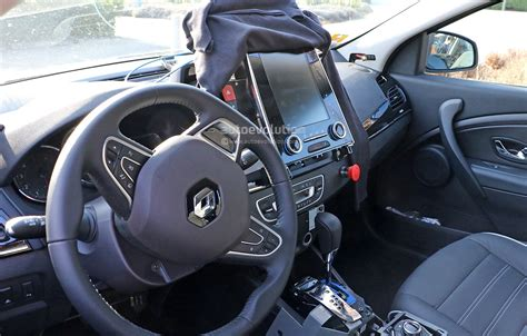 renault interior spyshots all new renault laguna interior spied for the