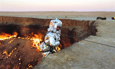 dropping in door to hell turkmenistan s darvaza crater