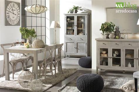 arredare stile provenzale arredare con i mobili decapati in stile provenzale shabby