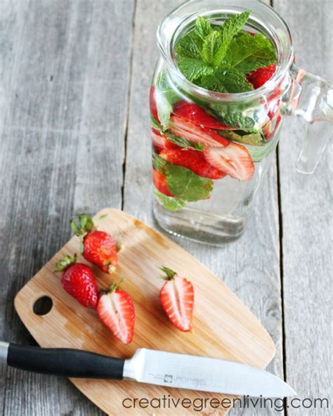 Https Www Search Q Detox 20water by Strawberry And Mint Water Detox