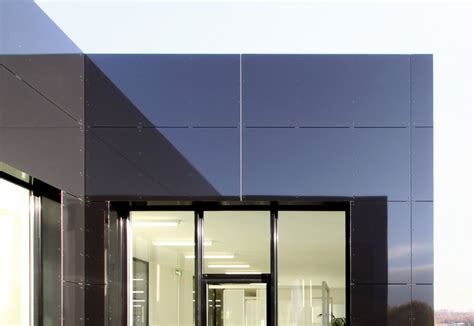 3a Composites Alucobond by Alucobond 174 Black 80 Glanzgrad 3a Composites Stylepark