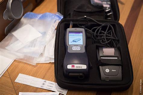 test antidroga polizia droga al volante in arrivo nuovi test della polizia l
