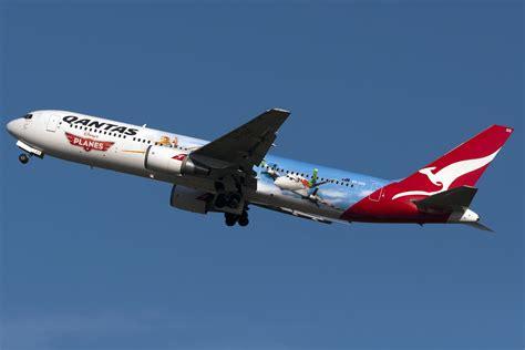 pictures of planes file qantas boeing 767 quot disney planes quot 3 jpg