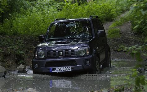 Top Gear Suzuki Jimny New Suzuki Jimny To Debut In 2016 Will Stay Small And