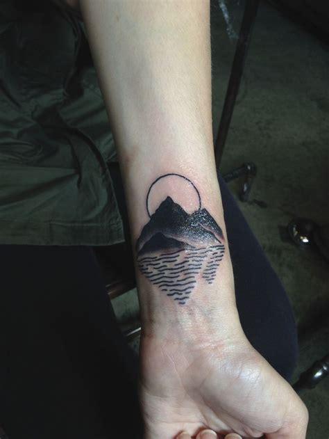 hand poke tattoo seattle best 25 seattle tattoo ideas on pinterest creative