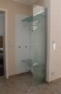garderobe aus glas beitrag badspiegel mit kosmetikspiegel wohnen mit glas