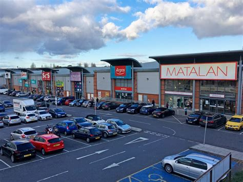 retail park warning 163 100 parking charge notices for august september
