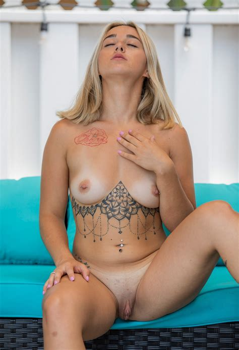 Bella Cooper Thefappening Naked Tattooed Blonde 40 Photos