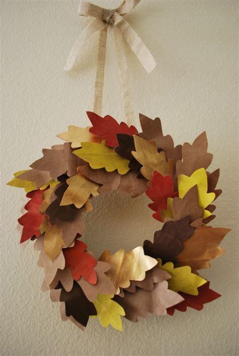 Paper Fall Crafts - kid friendly fall wreath ideas