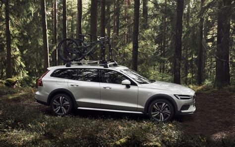 Volvo 2019 V60 Cross Country by 2019 Volvo V60 Cross Country Is Just Barely Rugged But