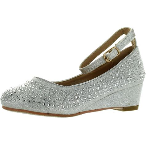 Style Advice Ask The Bean Going Flat Second City Style Fashion by Adorababy Style Wedge Shiny Flat Shoes