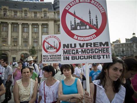 consolato romeno il 20 ottobre i romeni residenti a torino scendono in