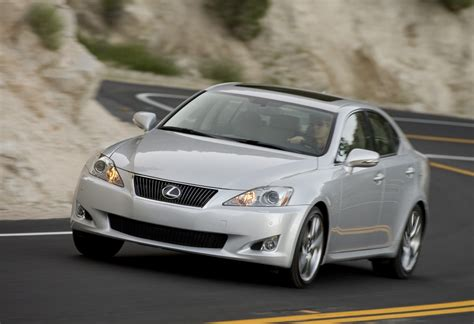 toyota lexus new toyota recall for 2013 907 000 corollas and 385 000