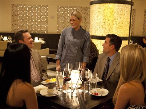 Former Nyc Waitress Dishes On Tipping by Former Bellmore Chef To Compete On Food Network Show