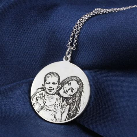 custom photo disc back engraving necklace
