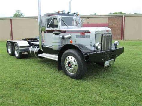 peterbilt  sleeper semi trucks