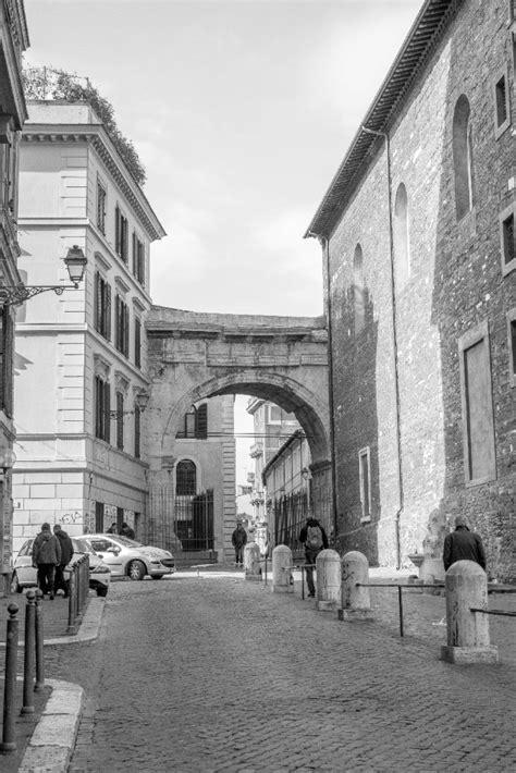 porta magica piazza vittorio meetup roma free tour porta magica magic door piazza