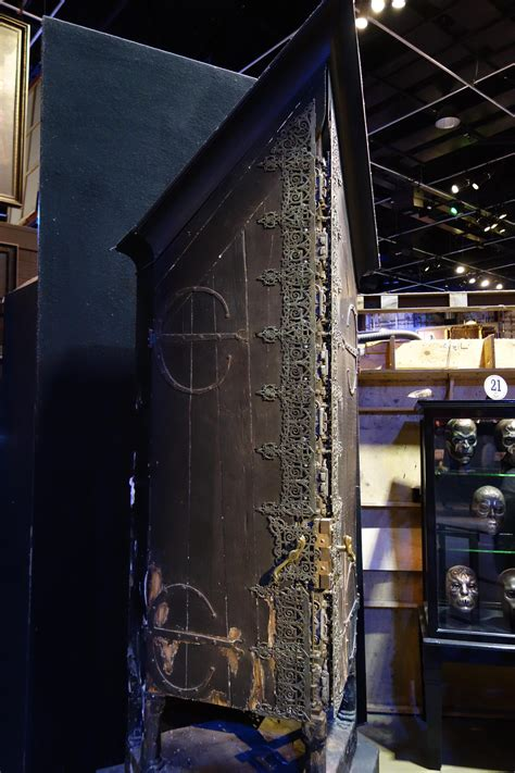 Vanishing Cabinet by A Muggle Went To The Warner Brothers Harry Potter Studio