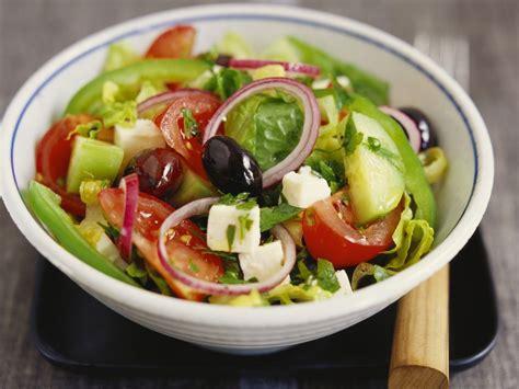 salat rezept griechischer salat rezept eat smarter