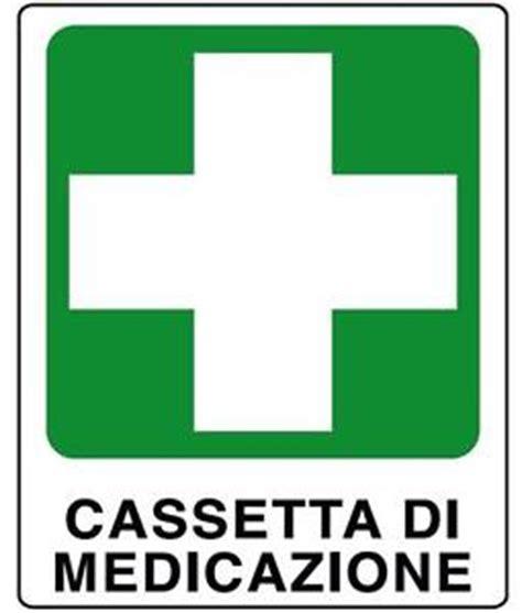 cassetta di medicazione cartello segnaletica pronto soccorso cassetta di