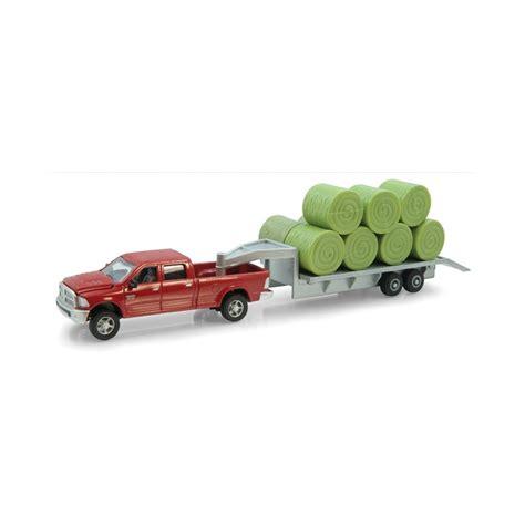 ertl dodge ram pickup  trailer  hay bale load