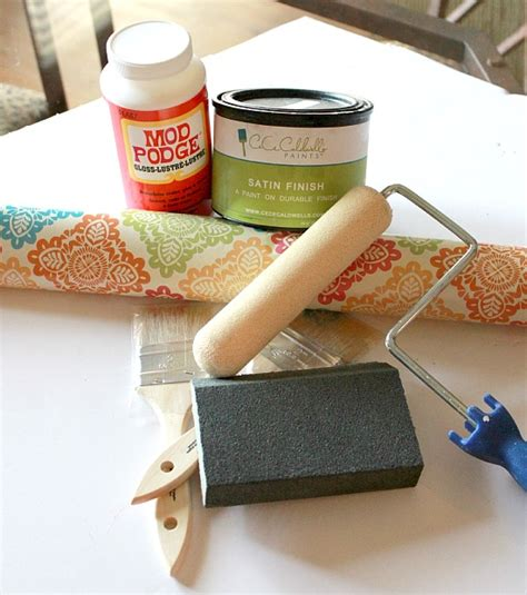 How To Decoupage Furniture With Mod Podge - how to decoupage furniture with modge podge tutorial
