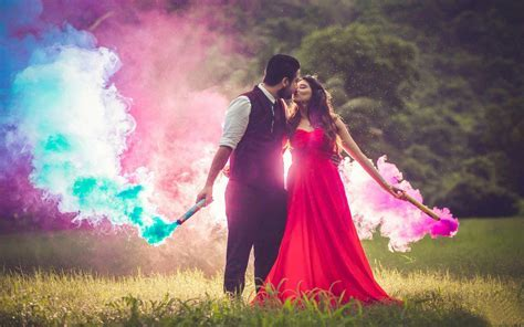 Awesome lips kissing couple with true colors   HD