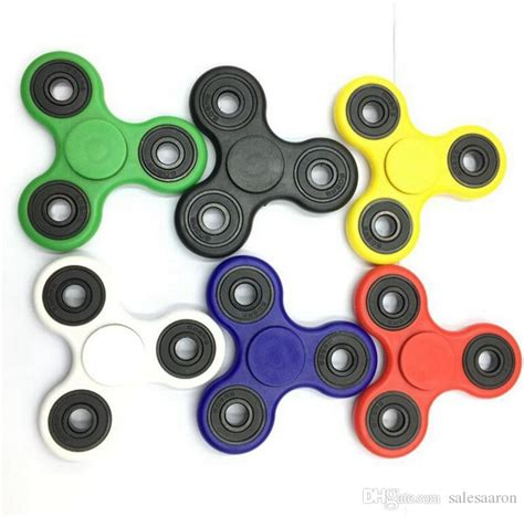 Fidget Spinner Pelangi Triangle New Top Quality 2017 spinners fidget spinner top quality triangle single finger spinning top colorful