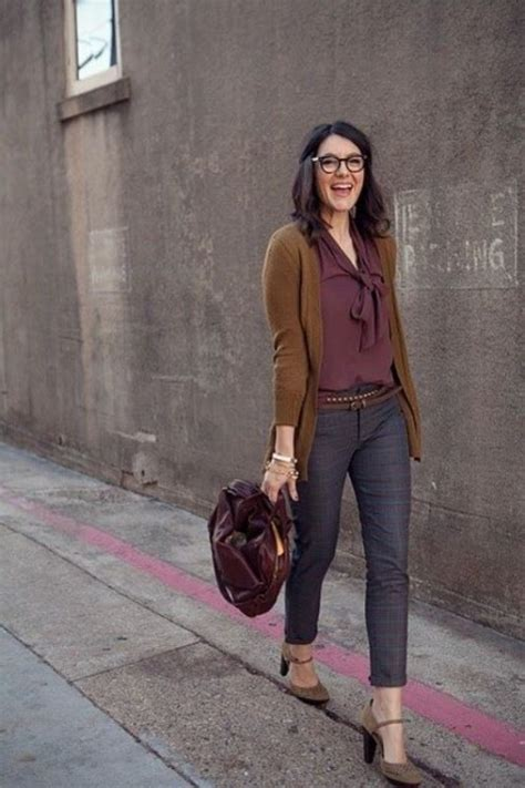 simplest work wardrobe for 35 yr old woman 35 fashionable work outfits for women to score a raise