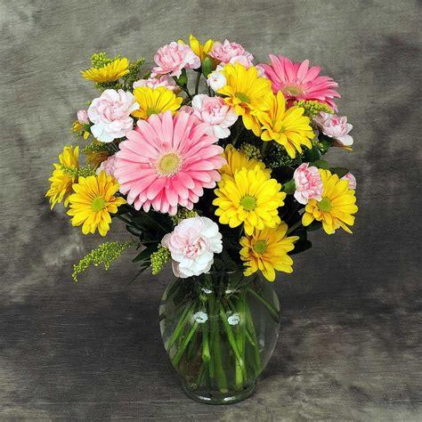 Daisies In A Vase by Mixed Vase Kremp