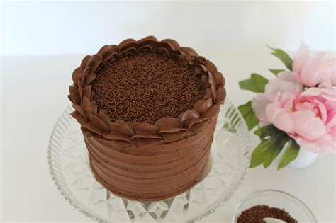 chocolate cake decoration at home chocolate cake decorating ideas easy cake decotions
