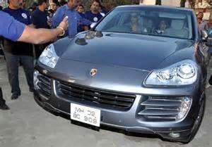 Akshay Kumar Bentley 18 And Their Luxury Cars