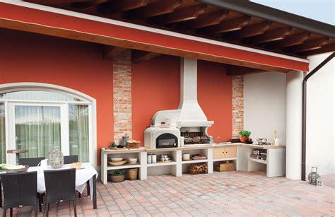 cucine da esterno piani cottura barbecue e arredi per