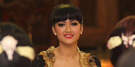 adegan ciuman di film remaja indonesia pin adegan seks terpopuler di film indonesia pelautscom on
