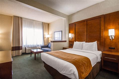 Comfort Suites Appleton by Comfort Suites Appleton Airport In Appleton Lake