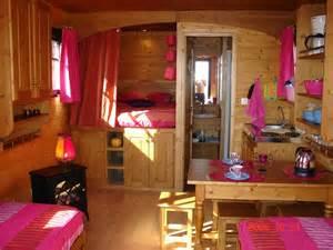 Charmant Deco Campagne Chic Chambre #5: interieur-roulotte-bohème-1024x768.jpg