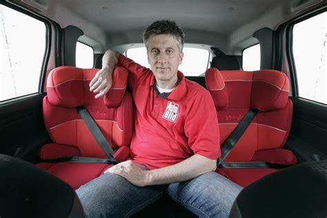 Kindersitz Auto Wiki by Drei Kindersitze Nebeneinander Bmw