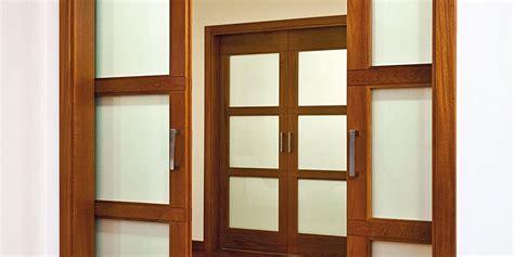 immagini porte interne moderne porte interne in legno massello moderne classiche a