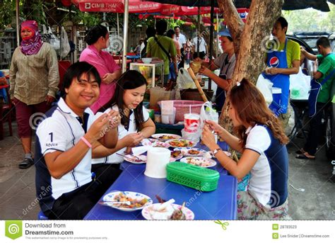 Dining Table Seats 14 by Bangkok Thailand People Dining On Sidewalk Editorial