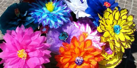 fiori in cartapesta cartapesta come creare fiori maschere e zucche