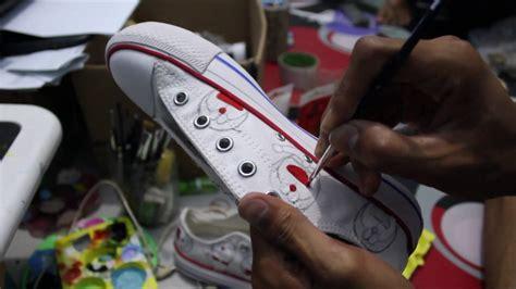 Sepatu All Lukis cara membuat sepatu lukis doraemon