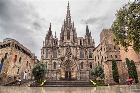 barcelona gothic quarter gothic quarter barcelona book tours getyourguide