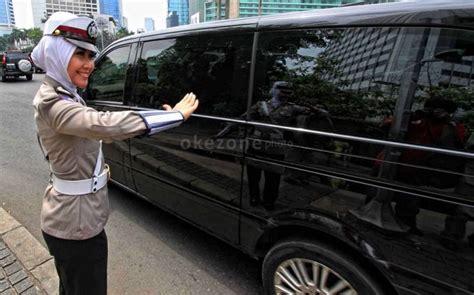 Timbangan Untuk Sah sah polwan diizinkan untuk menggunakan jilbab okezone news
