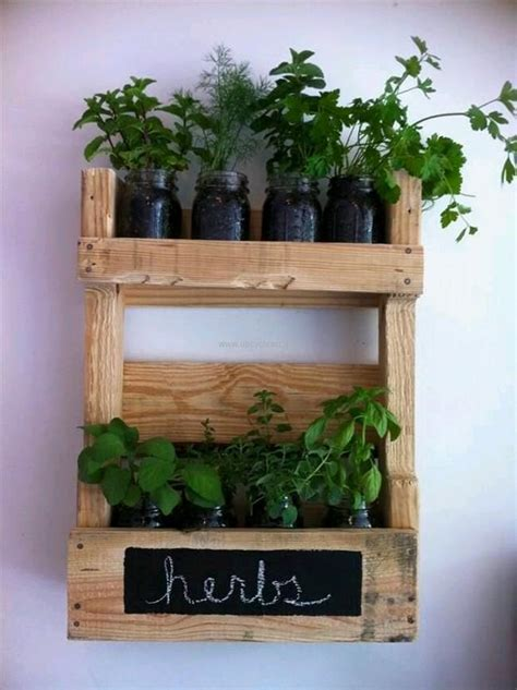 home decor ideas with wood pallet upcycle
