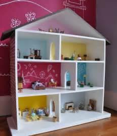 puppen haus puppenhaus selber bauen und spielecke im kinderzimmer