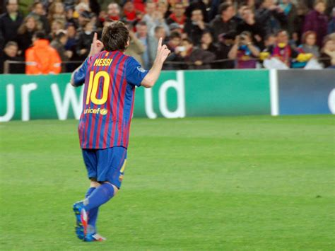 lionel messi biography education about lionel messi association football player spain