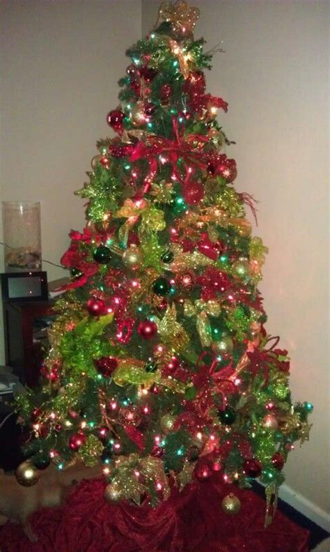 gold christmas tree gold christmas and red green on pinterest